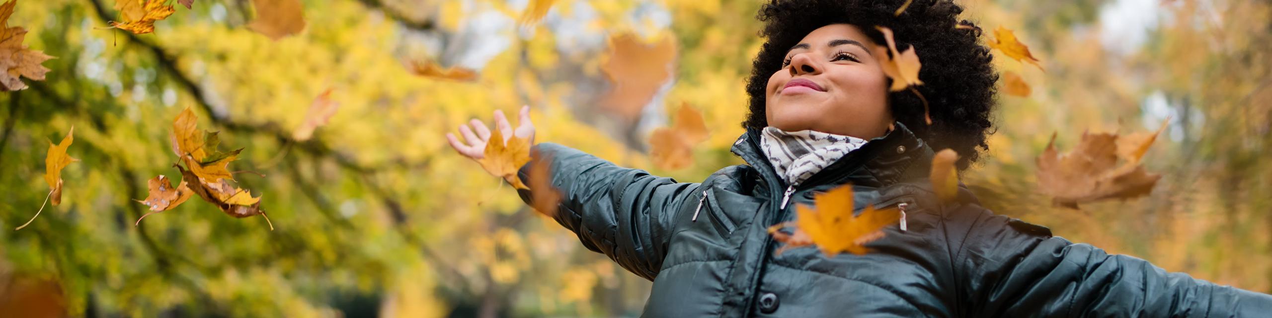 Solo slim: 6 voordelen van single zijn in de herfst